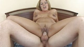 Ambitious Roxy Ryder with firm tits never in her life had a penis like this